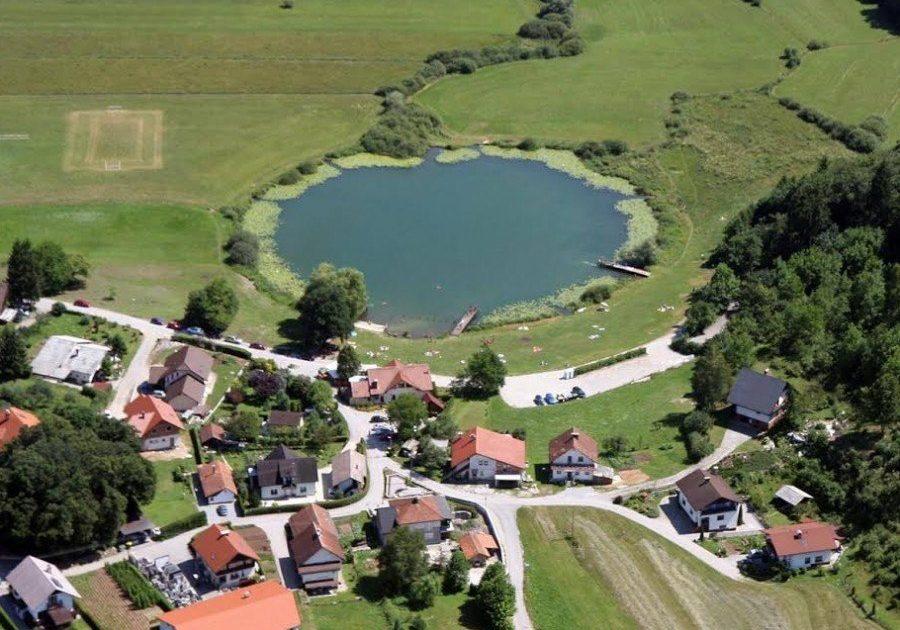 gostilnica jezero