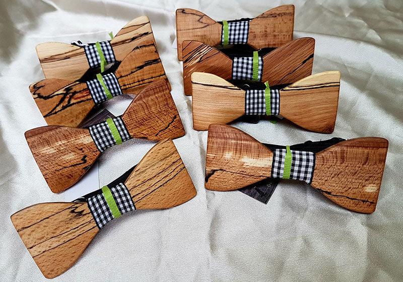 lesena poročna dekoracija in nakit